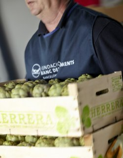 Mercabarna has been working with the Food Bank for many years